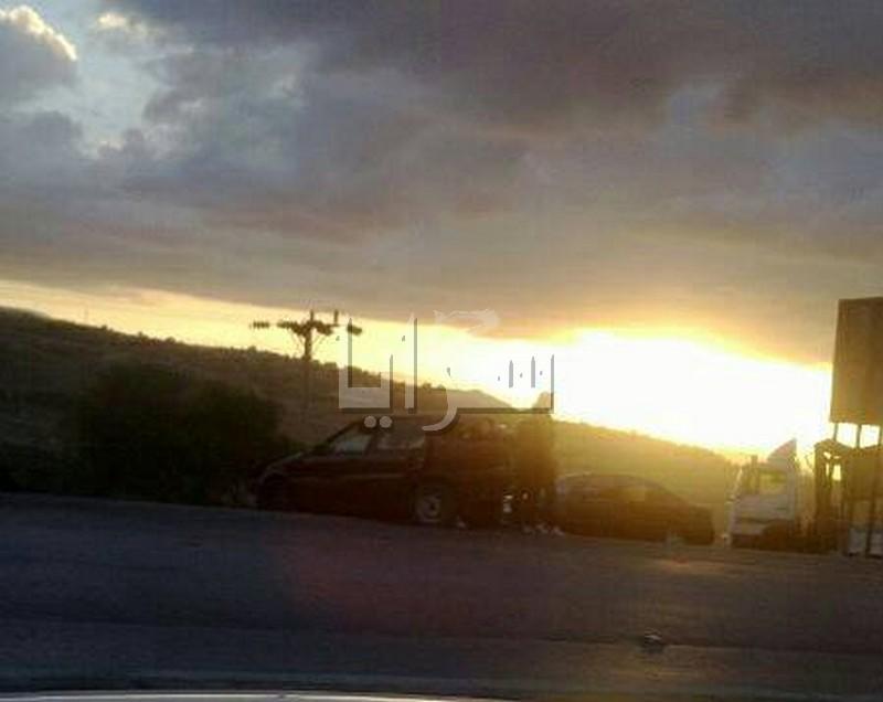تصادم (6) مركبات على طريق اربد - عمان واصابة (3) اشخاص