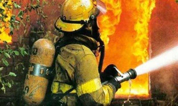 3 اصابات بحريق منزل في عمان