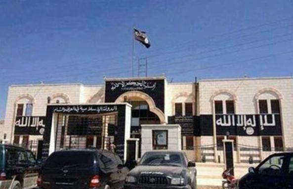 داعش تأمر بختان نساء العراق