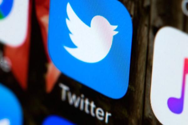 للمرة الأولى ..  (تويتر) يخفي تغريدة للرئيس الأمريكي وتصاعد الأزمة بينهما