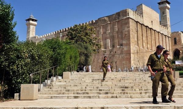 هكذا يحاول الاحتلال الإسرائيلي تهويد الحرم الإبراهيمي