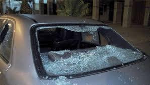 عجلون  :تكسير مركبات بالعصي والحجارة في مشاجرة عائلية بكفرنجة