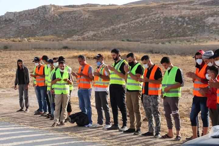 بالصور ..  حملة تطوعية لتنظيف مقابر منطقة الحسين في محافظة الطفيلة
