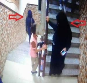 عمان: فتاتان تسرقان حقائب نسائية اثناء حفل زفاف داخل صالة افراح ..  والامن يحقق