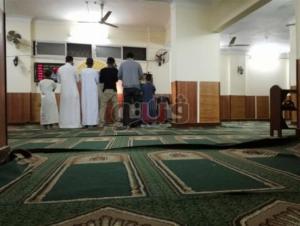 بالفيديو  :لحظة وفاة مسن ساجداً عقب صلاة العشاء