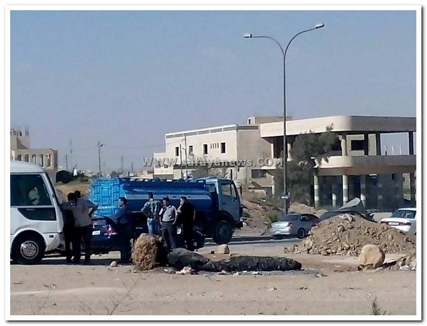 بالصور.. الزرقاء : حادث تصادم بين 4 مركبات يتسبب بأزمة خانقة