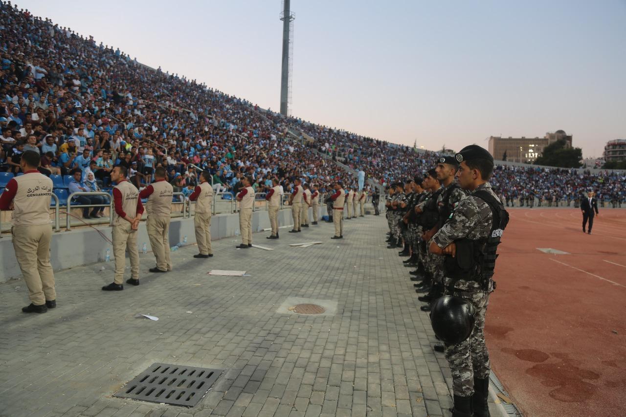 """""""1000"""" دركي لتأمين أمن مباراة الوحدات والفيصلي داخل وخارج الملعب"""