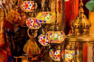 حكم الأكل لمن أفطر لعذر في نهار رمضان