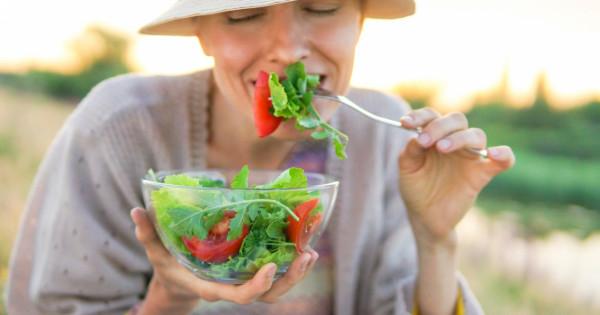 عنصر غذائي يقي من جفاف الجلد و يؤخر الشيخوخة ..  تعرف عليه