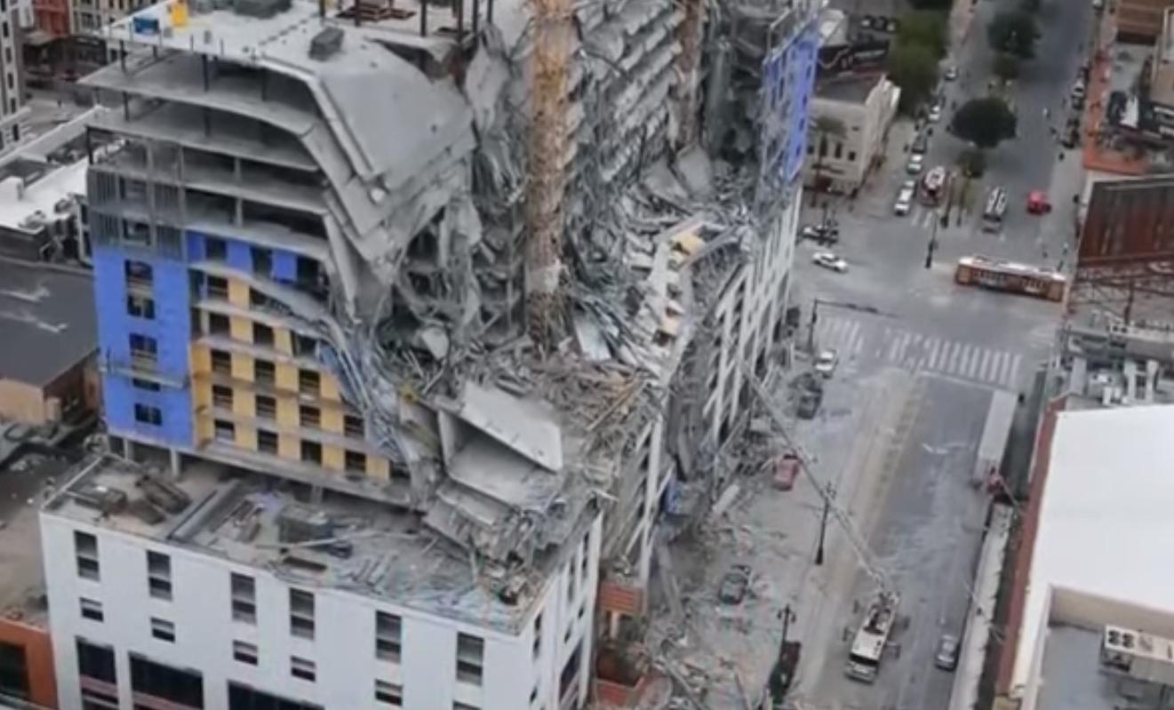 بالفيديو ..  لحظة انهيار فندق قيد الإنشاء في أمريكا والحصيلة قتيل واحد على الأقل