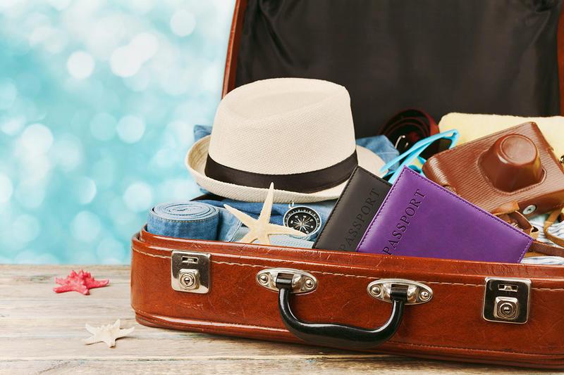 تعرف على أفضل طرق ترتيب الملابس في شنطة السفر