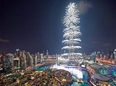 عروض نارية بإستقبال 2014 , دبي تقيم أكبر احتفال بالعالم فيديو وصور