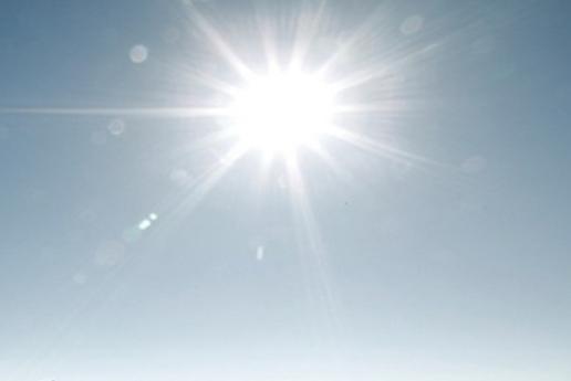 الاغوار الشمالية : وفاة طفلة اثر تعرضها لضربة شمس اثناء لهوها في الشارع فرحاً بالعيد