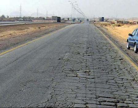 """الكركية يوصفون الطريق الصحراوي بـ"""" شارع الموت"""""""