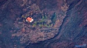 فيديو غريب للبيت المعجزة ..  صمد وحيدا أمام حمم البركان