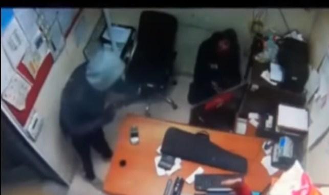 القبض على مرتكبي قضايا سطو على عدد من محطات وقود في الزرقاء .. فيديو