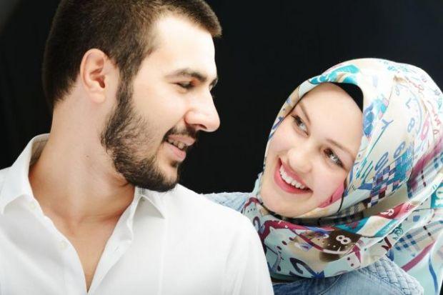 """مفطرات الصيام في علاقة الأزواج  .. """"حبكت في رمضان"""""""