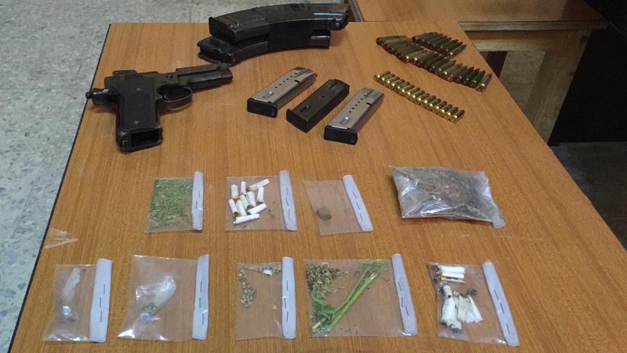 القبض على (6) اشخاص بعدة مداهمات امنية بحوزتهم كميات من المواد المخدرة