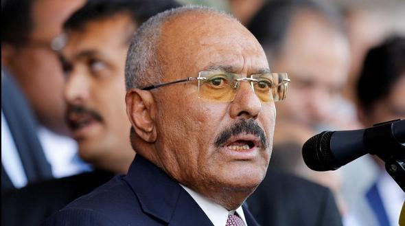مسؤول يمني يكشف عن الشخص الذي سلم صالح للحوثيين