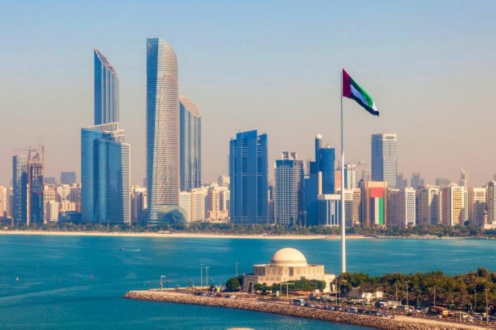 الإمارات تعلن عن تسهيل عودة حاملي الإقامة