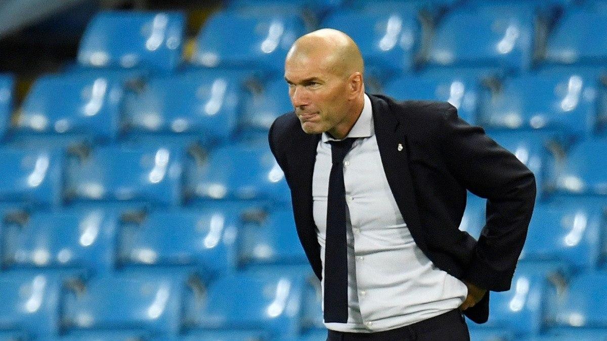 زيدان يتحدث عن إمكانية تعاقد ريال مدريد مع مهاجم جديد