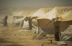 إحتجاجات في الزعتري للمطالبة بتبديل الخيم بكرافانات