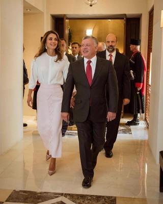 الملك والملكة  يغادران ارض الوطن إلى مصر