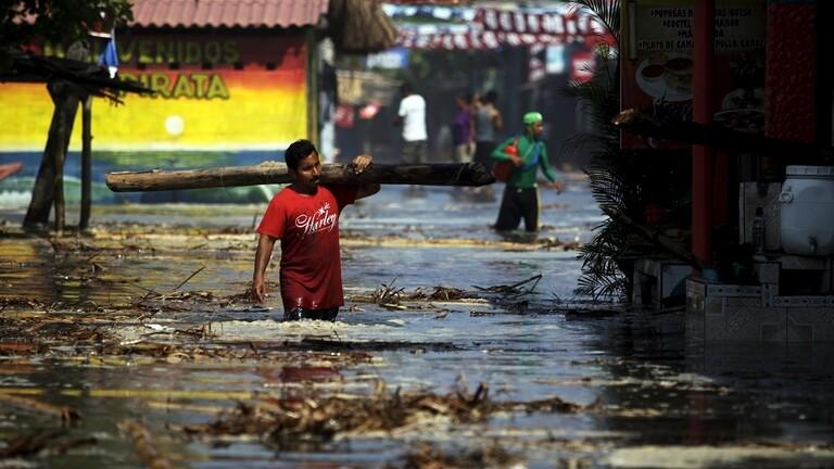 """بالصور و الفيديو  ..  """"أماندا"""" تعصف و تقتل 14 شخصا على الأقل في السلفادور و غواتيمالا"""