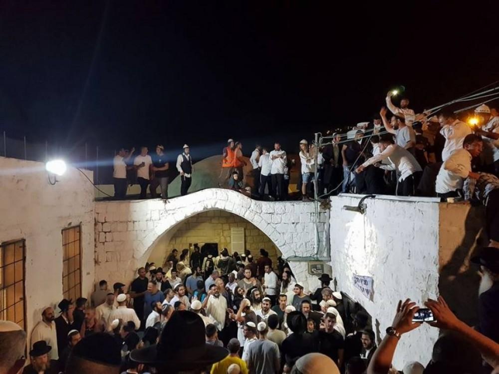 إصابات بمواجهات خلال اقتحام قبر يوسف بنابلس