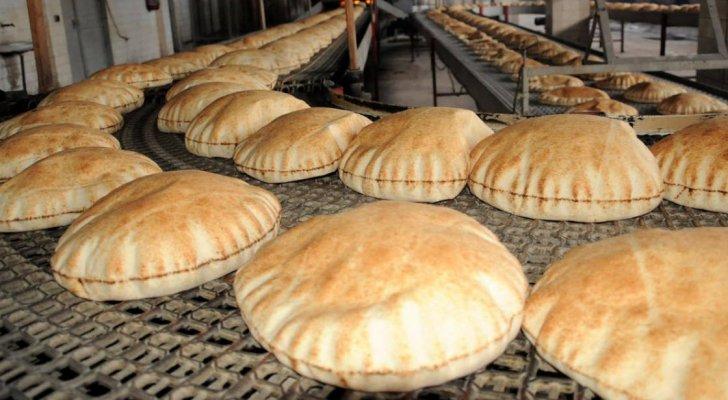 معوزون يطالبون بتمديد مدة استقبال طلبات دعم الخبز