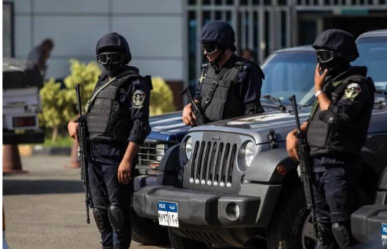 مقتل 4 من الشرطة المصرية بانفجار في الجيزة