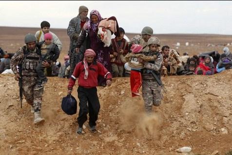 «حرس الحدود» تستقبل 79 لاجئا سوريا
