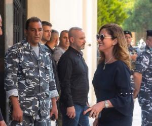 """بالصور  ..  """"تنورة"""" وزيرة الإعلام اللبنانية تُشعل مواقع التواصل  ..  و مغردون: """"حرية شخصية"""""""