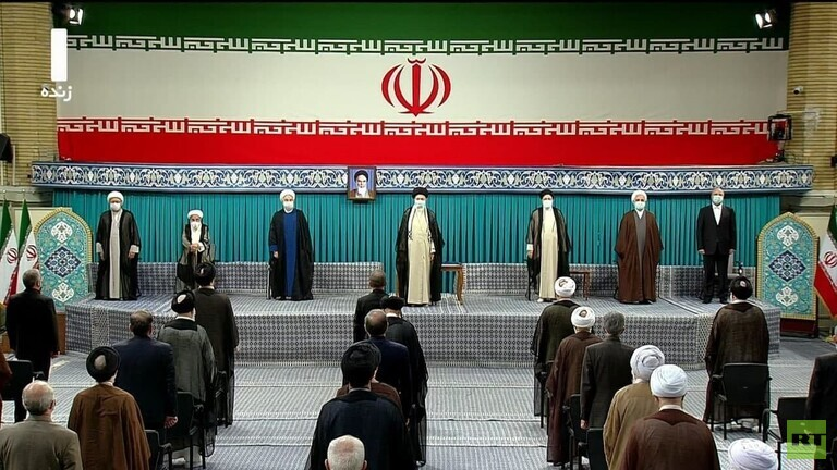 الرئيس الإيراني خلال حفل تنصيبه: أينما تغافلنا عن نصائح المرشد و الخط الثوري تعرضنا للمشاكل
