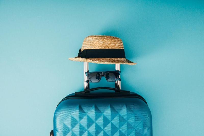 قائمة محتويات شنطة السفر