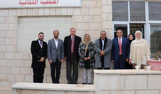 """""""عمان العربية"""" والملحقية اليمنية تبحثان التعاون المشترك"""