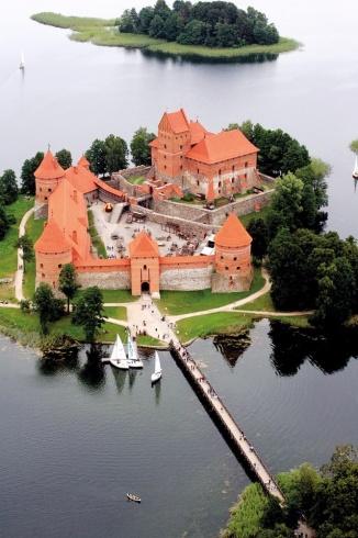 بالصور  ..  ليتوانيا حيث تنسج الطبيعة روائعها