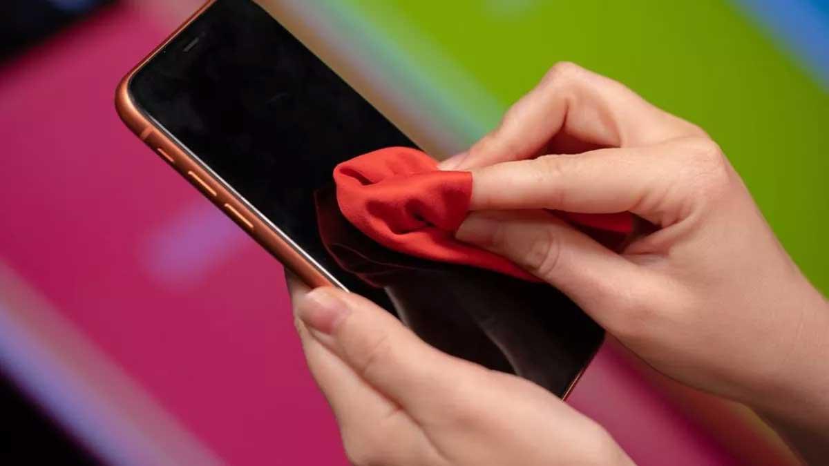 كيف تحمي هاتفك المحمول من فيروس كورونا ؟