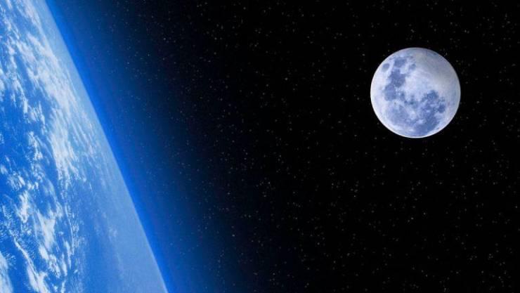 لأول مرة بالتاريخ ..  علماء يرصدون ولادة قمر جديد