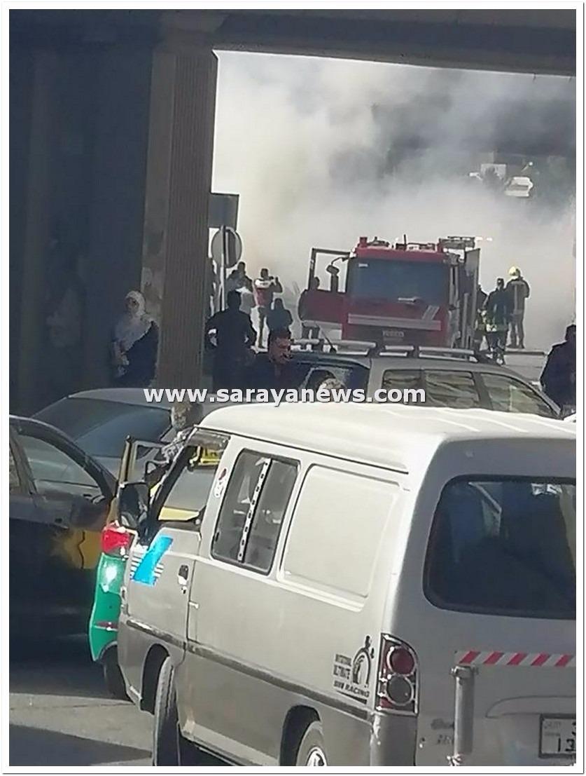 عمان: تماس كهربائي يتسبب بحريق مركبة على دوار الداخلية ..  صورة