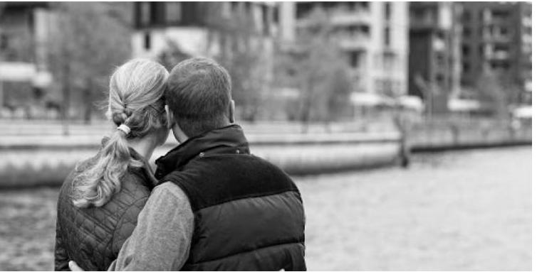"""اليوم العالمي لتقدير الزوجة ..  5 أفعال تسعد بها زوجتك منها """"الطبطبة"""""""