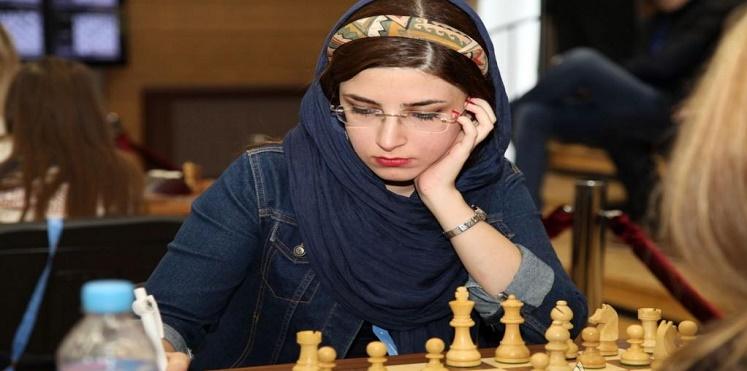 فصل لاعبتي شطرنج لخلعهما الحجاب ومواجهة لاعب إسرائيلي