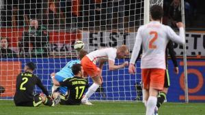 اسبانيا تسقط امام هولندا وتفشل برد الاعتبار