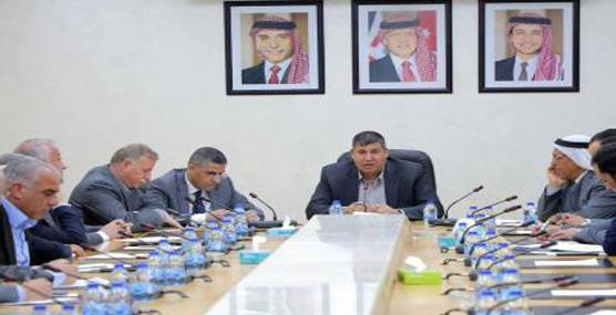 فلسطين النيابية تؤكد ضرورة تعريف النشء الجديد بتاريخ فلسطين والقدس ومقدساتها