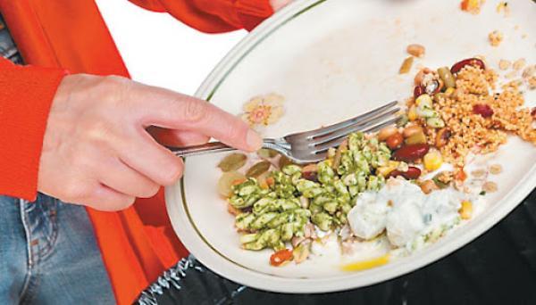 العالم يهدر ملياري طن من المواد الغذائية