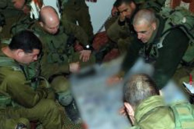 بالفيديو  .. كيف خططت ونفذت إسرائيل قتل (15) شرطياً فلسطينياً