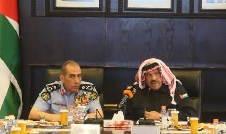 """وزير الداخلية """"حماد"""" و مدير الامن العام وقائد قوات الدرك يعقدون إجتماعاً أمنياً طارئاً  ..  تفاصيل"""