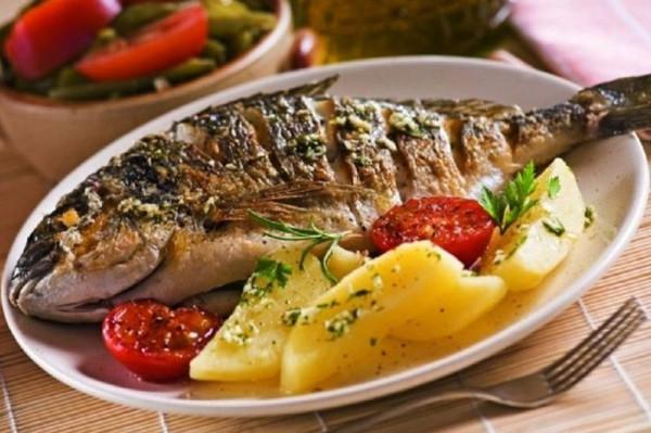طريقة عمل سمك الدنيس بالبطاطس