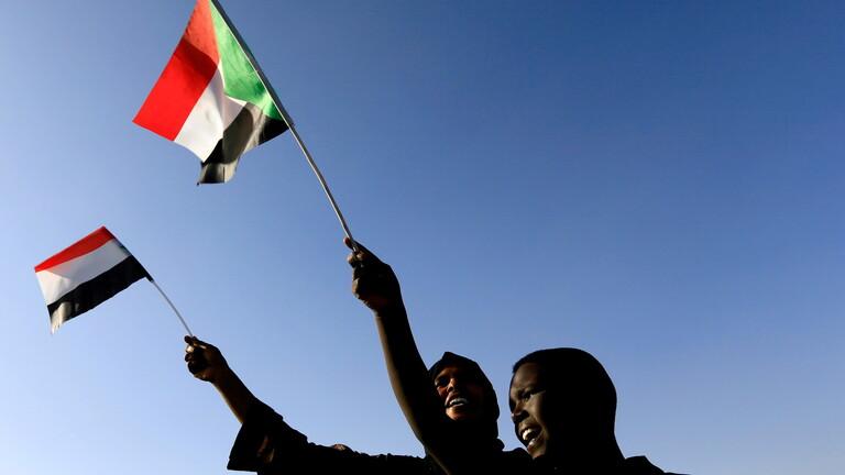 الخارجية السودانية تعلن أن السفراء الرافضين للانقلاب هم الممثلون للحكومة وقرارات البرهان غير شرعية