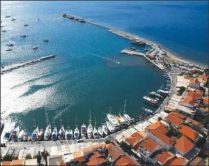 بالصور .. أسباب تدفعك لزيارة جزيرة ساموس اليونانية